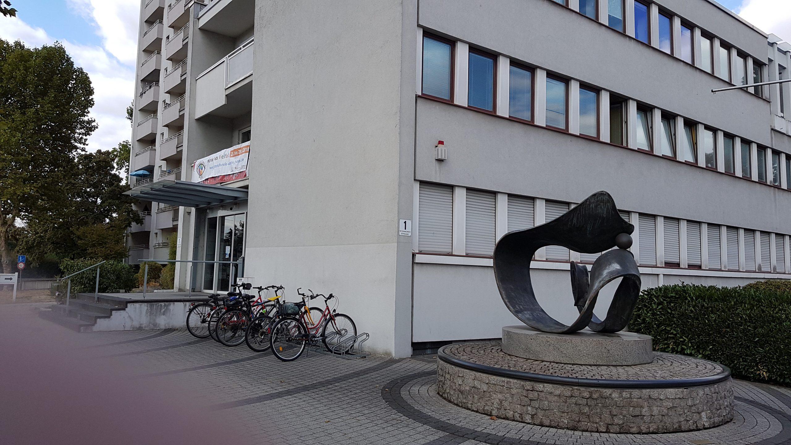 Eingang Steinheimer Str. 1